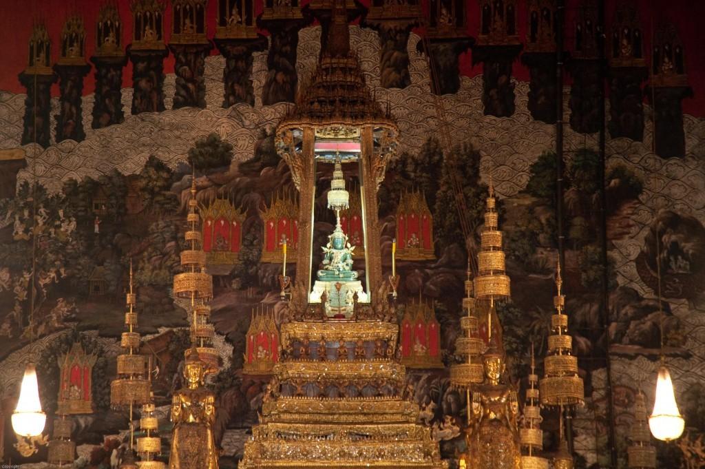 kuil-buddha-zamrud-wat-phra-kaew